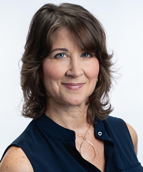 Julie Winski Headshot